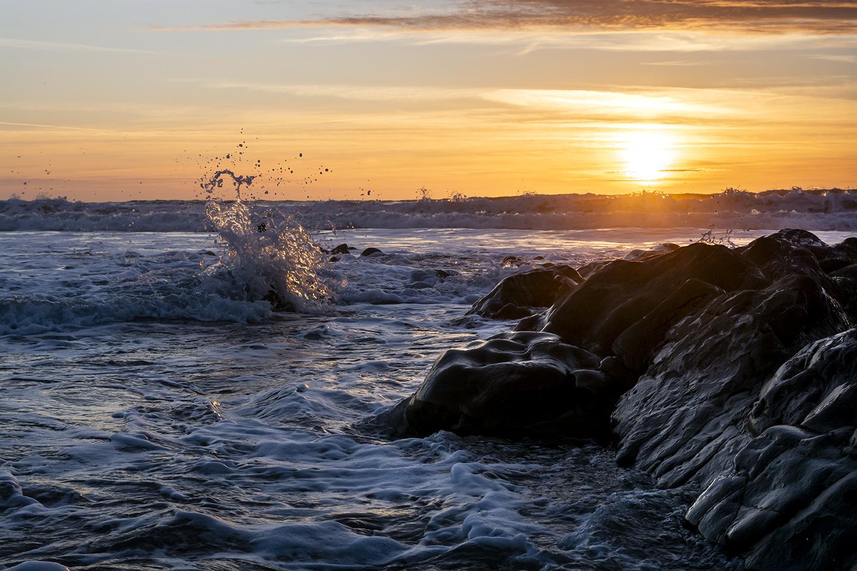 Dancing Waves - Widemouth Bay