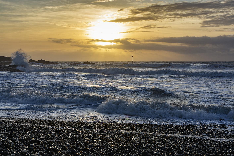 Restless Waves - Summerleaze, Bude