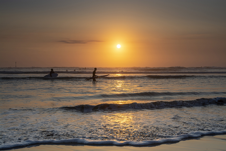 Silhouette Surfer - Summerleaze, Bude