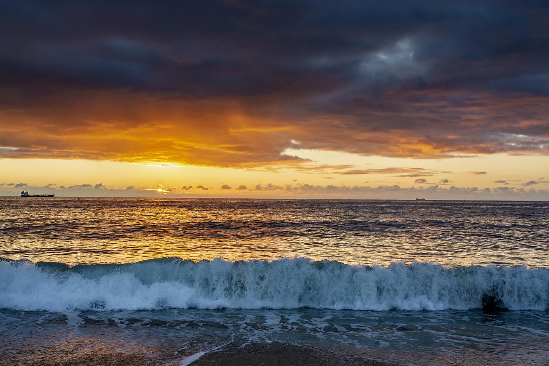 Gyllyngvase Waves - Falmouth