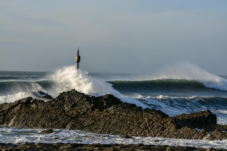 Explosive Wave - Barrel Rock, Bude